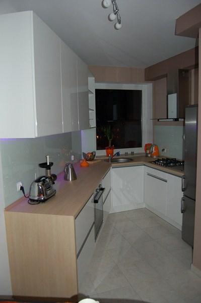 Meble kuchenne, meble na wymiar -> Kuchnia Jasna Polysk